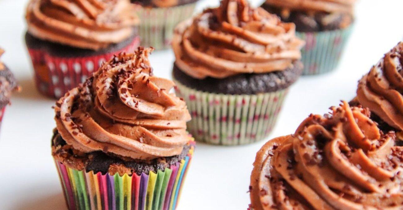 cupcakes-5116009_1920